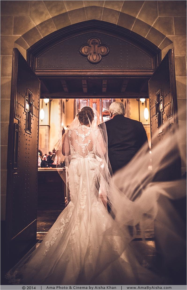 ©2014 | www.AmaByAisha.com | St. Paul's United Methodist Church | Bride walking in
